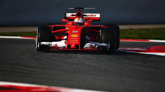 Sebastian Vettel fährt bei den Formel-1-Tests in Barcelona den neuen Ferrari aus