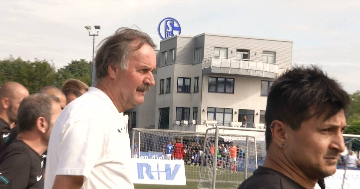 Schalke 04: Peter Neururer wartet auf das richtige Signal - SPORT1