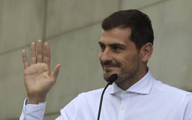 Portugal: Iker Casillas beendet Karriere nach Herzinfarkt, Der ehemalige spanische Nationalkeeper Iker Casillas beendet seine Karriere
