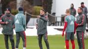 Bayern-Trainer Niko Kovac leitet eine Trainingseinheit