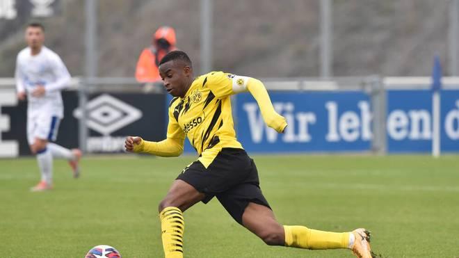 Youssoufa Moukoko wird von Bruno Labbadia gelobt