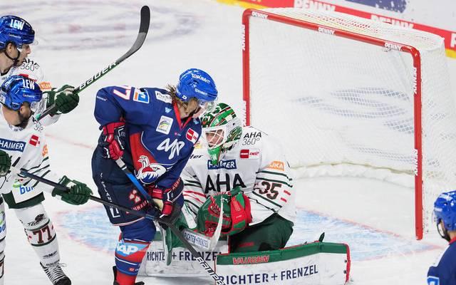 Die Adler Mannheim setzen sich gegen Augsburg knapp durch