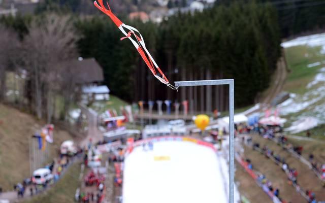 Das Saisonfinale der Nordischen Kombinierer fällt wegen Schneemangels aus
