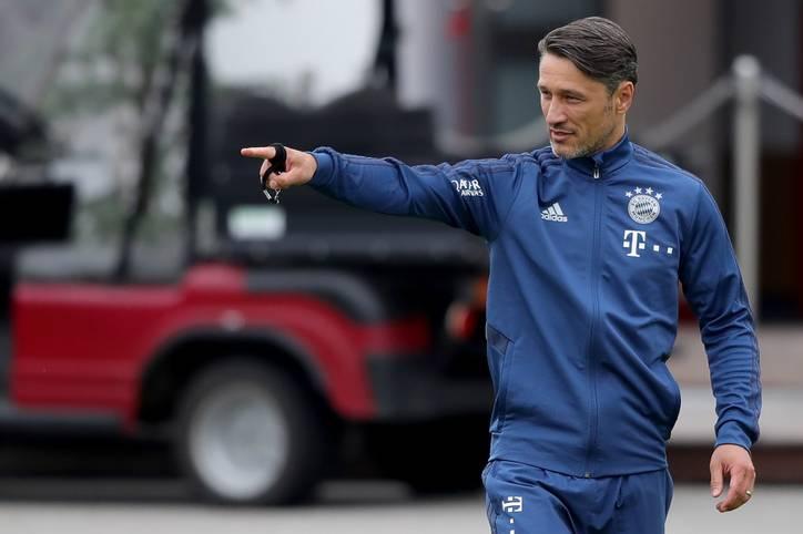 Es geht wieder los! Bayern-Trainer Niko Kovac hat am Montag seine Mannschaft zum ersten Training nach der Sommerpause an der Säbener Straße versammelt. Weil die Nationalspieler erst am Freitag zum Team stoßen, fehlten noch einige Stars auf dem Trainingsplatz
