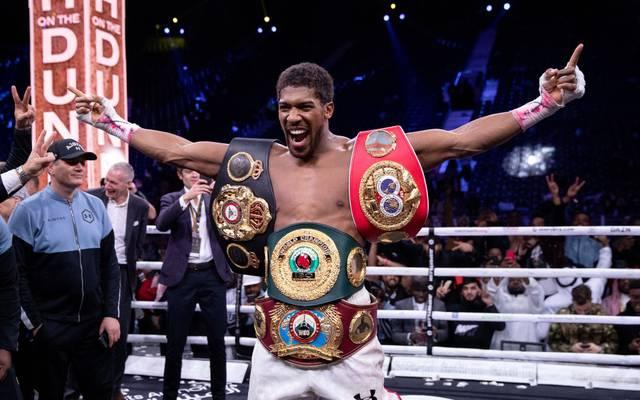 Anthony Joshua ist Weltmeister der Verbände Verbände WBA, IBF und WBO