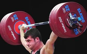 Hätte beim Glücksrad für Maren Gilzer viel Arbeit bereitet: Gewichtheber Saeid Mohammadpourkarkaragh