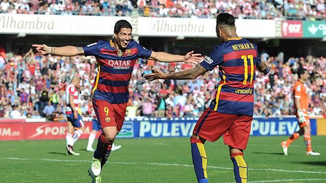 Luis Suárez (li) schließt eine Neymar-Rückkehr zum FC Barcelona nicht aus