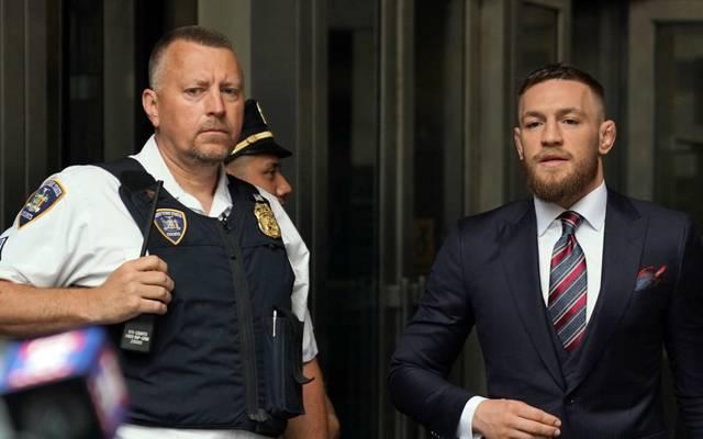 Conor McGregor (r.) ist erneut in den Fokus der Justiz geraten