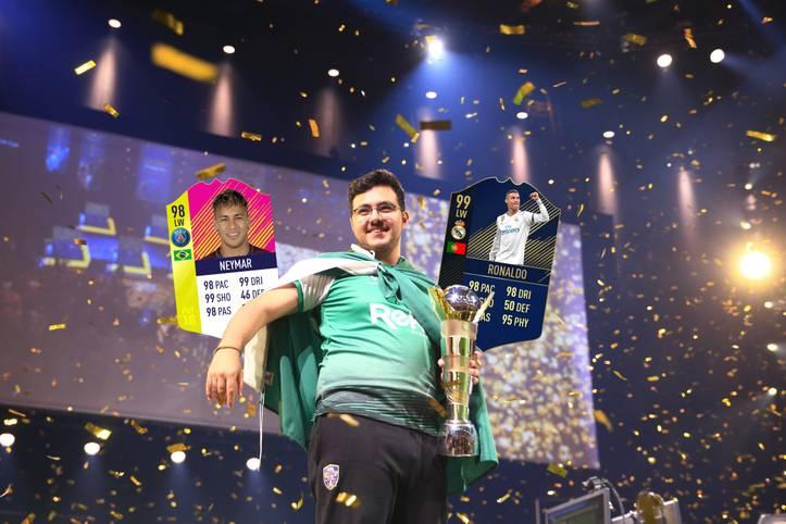 Mit 4:0 im konsolenübergreifenden Finale beim FIFA eWorld Cup in London sicherte sich der Saudi MSDossary den Titel als FIFA-18-Weltmeister. SPORT1 stellt seine Elf in FIFA-Ultimate-Team vor, die ihn zum Triumph schoss
