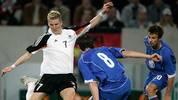 Teamchef Rudi Völler tritt ab, Jürgen Klinsmann übernimmt. Unter ihm entwickelt sich Schweinsteiger zum Stammspieler. Seine ersten beiden Treffer im Trikot der deutschen Nationalelf gelingen ihm beim 2:2 gegen Russland im Sommer 2005 - rund ein Jahr nach seinem Debüt