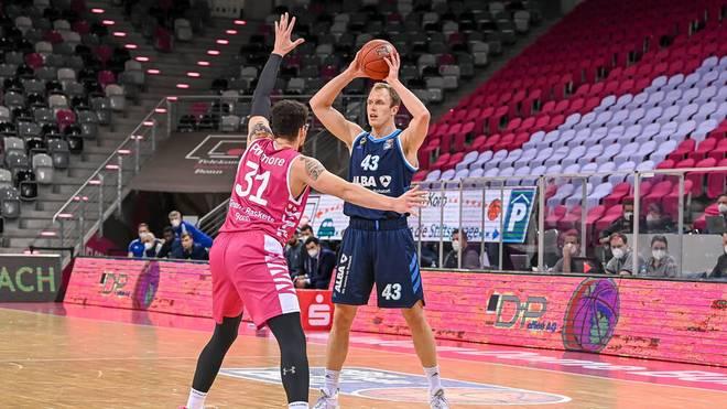 Luke Sikma führte ALBA Berlin in Bonn zum Sieg