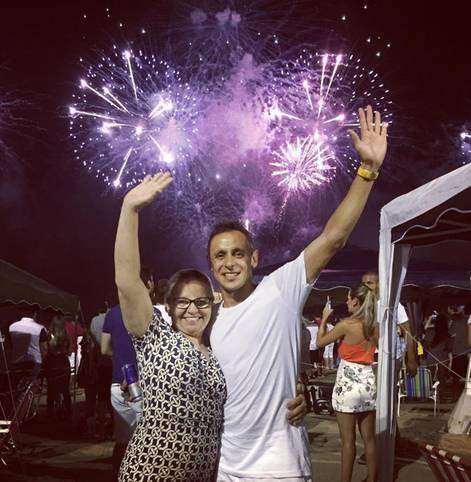 Großes Feuerwerk in Brasilien. Für Bayerns Rafinha gibt es gleich doppelten Grund zu feiern: Das neue Jahr 2017 beginnt und seine Mutter hat Geburtstag. SPORT1 zeigt, wie die Stars Silvester verbrachten