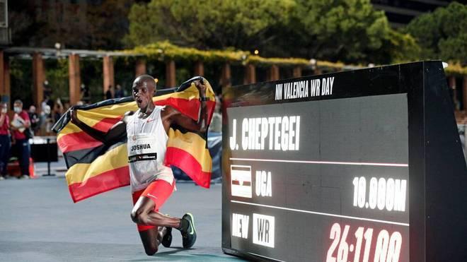 Joshua Cheptegei stellte in Valencia einen neuen Weltrekord über 10.000 Meter auf