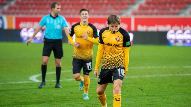 Dynamo Dresden feiert beim Halleschen FC einen Sieg