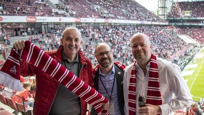 Phil Taylor und Raymond van Barneveld besuchten 2018 gemeinsam das Bundesliga-Spiel 1. FC Köln - FC Bayern