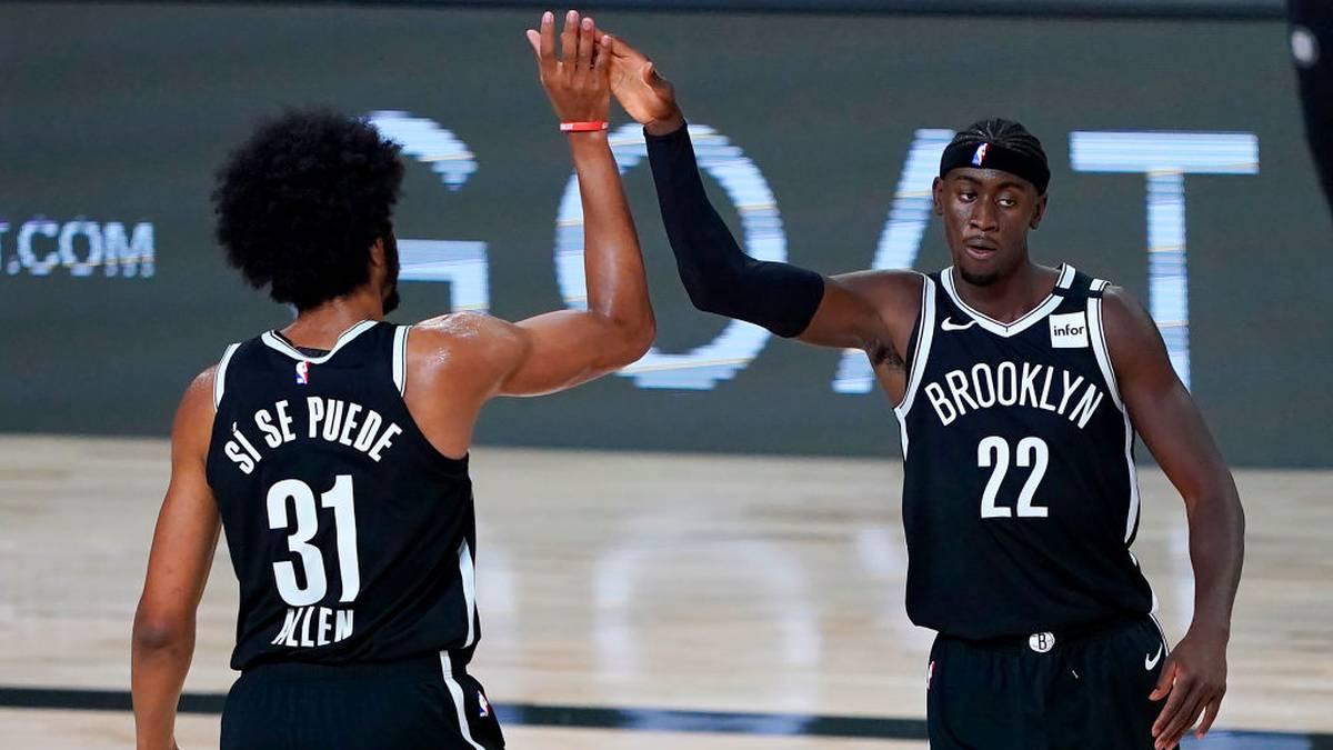 Jarrett Allen und Caris LeVert von den Brooklyn Nets