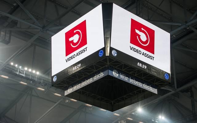 Der Videobeweis kommt in Deutschland ausschließlich in der Bundesliga zum Einsatz
