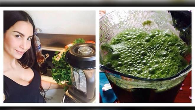 Sila Sahin mit ihrem Lieblingsgetränk: dem grünen Smoothie.