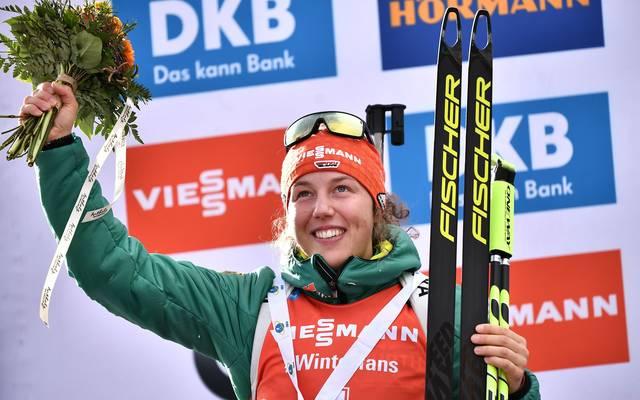 Laura Dahlmeier freut sich über Platz zwei in Antholz