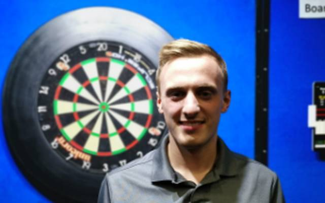 Christian Bunse hat am dritten Tag der PDC Q-School in Hildesheim das Finale gewonnen