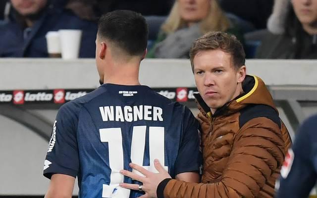 Hoffenheims Trainer Julian Nagelsmann (r.) muss künftig ohne Sandro Wagner planen