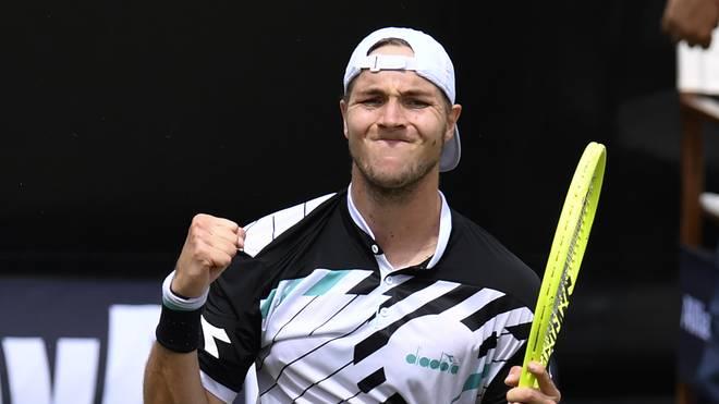 Tennis: ATP in Stuttgart mit Struff, Pouille, Brown, Auger-Aliassime, Jan-Lennard Struff freut sich über Sieg über den Franzosen Lucas Pouille