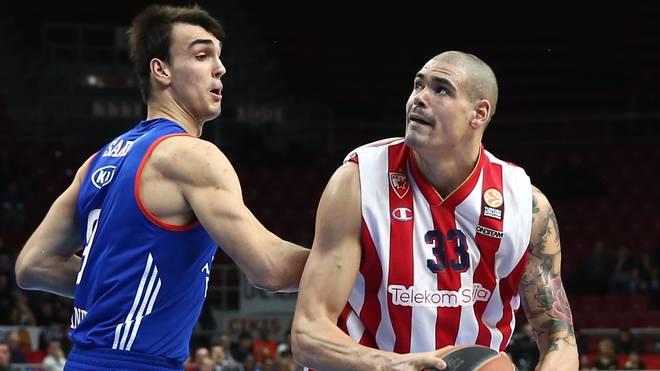 Maik Zirbes (r.) wurde mit Roter Stern Belgrad vor kurzem Meister
