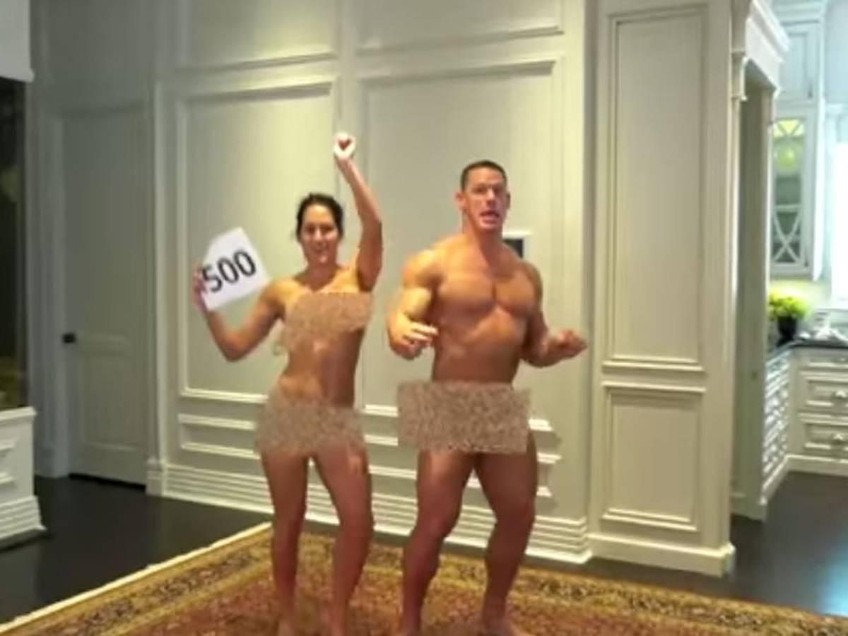 Nackt sex bella nikki beim Nikki Bella