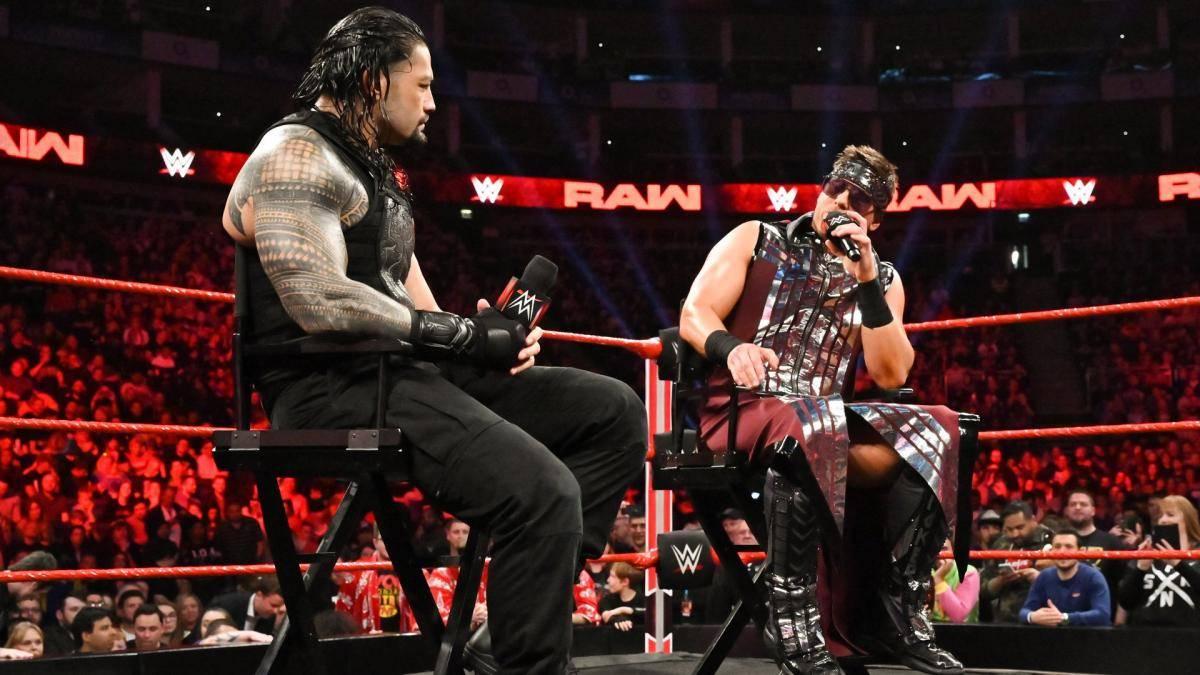 Die WrestleMania-Absage von Roman Reigns (l.) soll mit The Miz zu tun haben