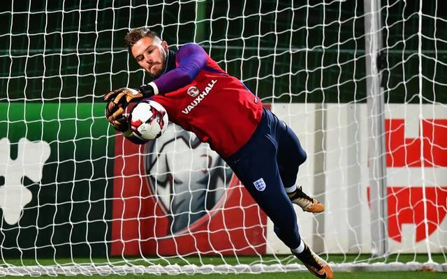 Englands Torhüter Jack Butland fällt gegen Deutschland aus