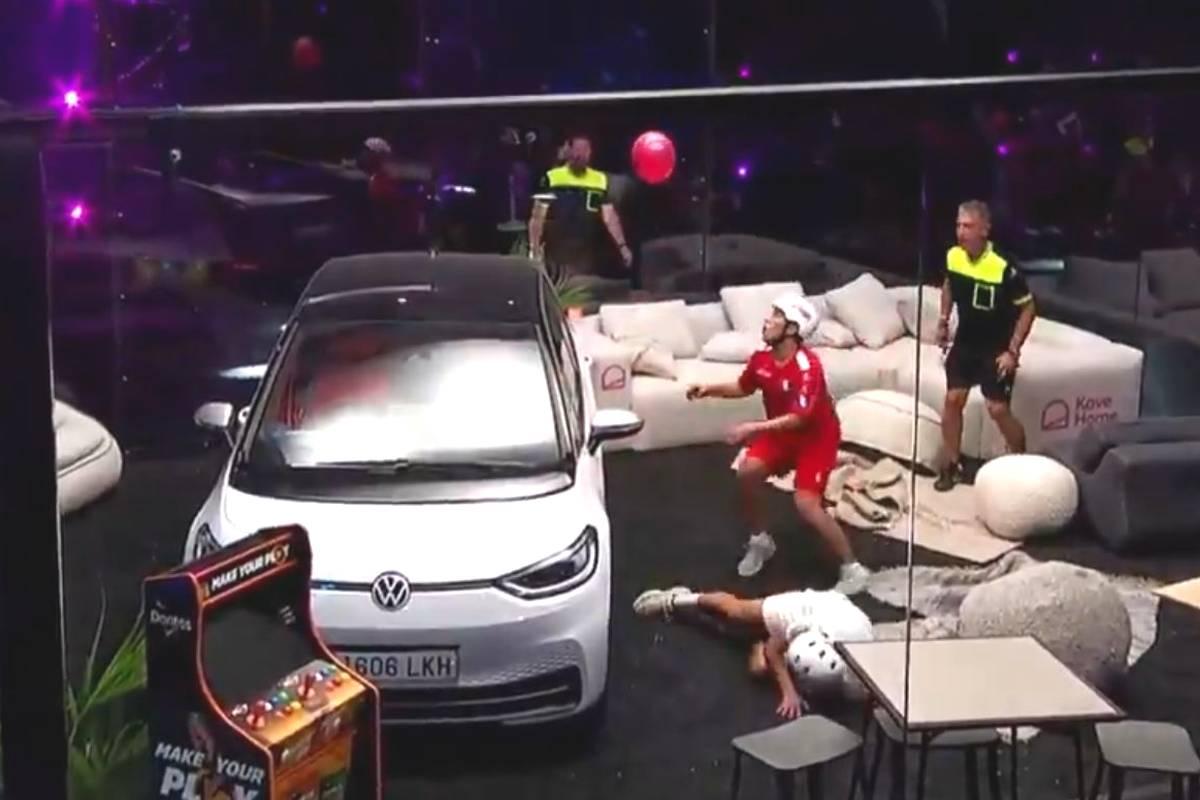 In Spanien findet die erste Ballon-WM der Geschichte statt. Deutschland unterliegt knapp. Veranstalter ist niemand Geringeres als Gerard Piqué. Seine Frau Shakira fiebert - und trainiert mit.