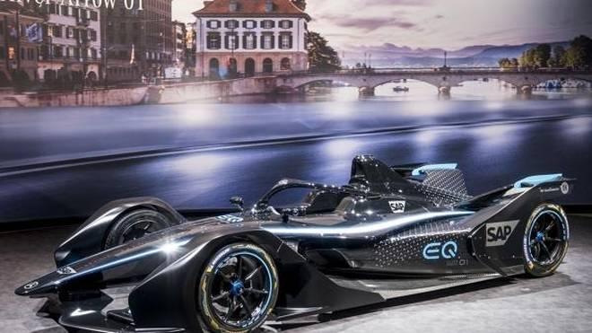 Der Mercedes EQ Silver Arrow 01 trägt noch nicht die endgültige Lackierung