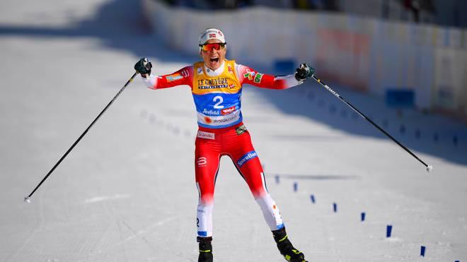 Therese Johaug hat ihre erste Goldmedaille bei der WM in Seefeld gewonnen