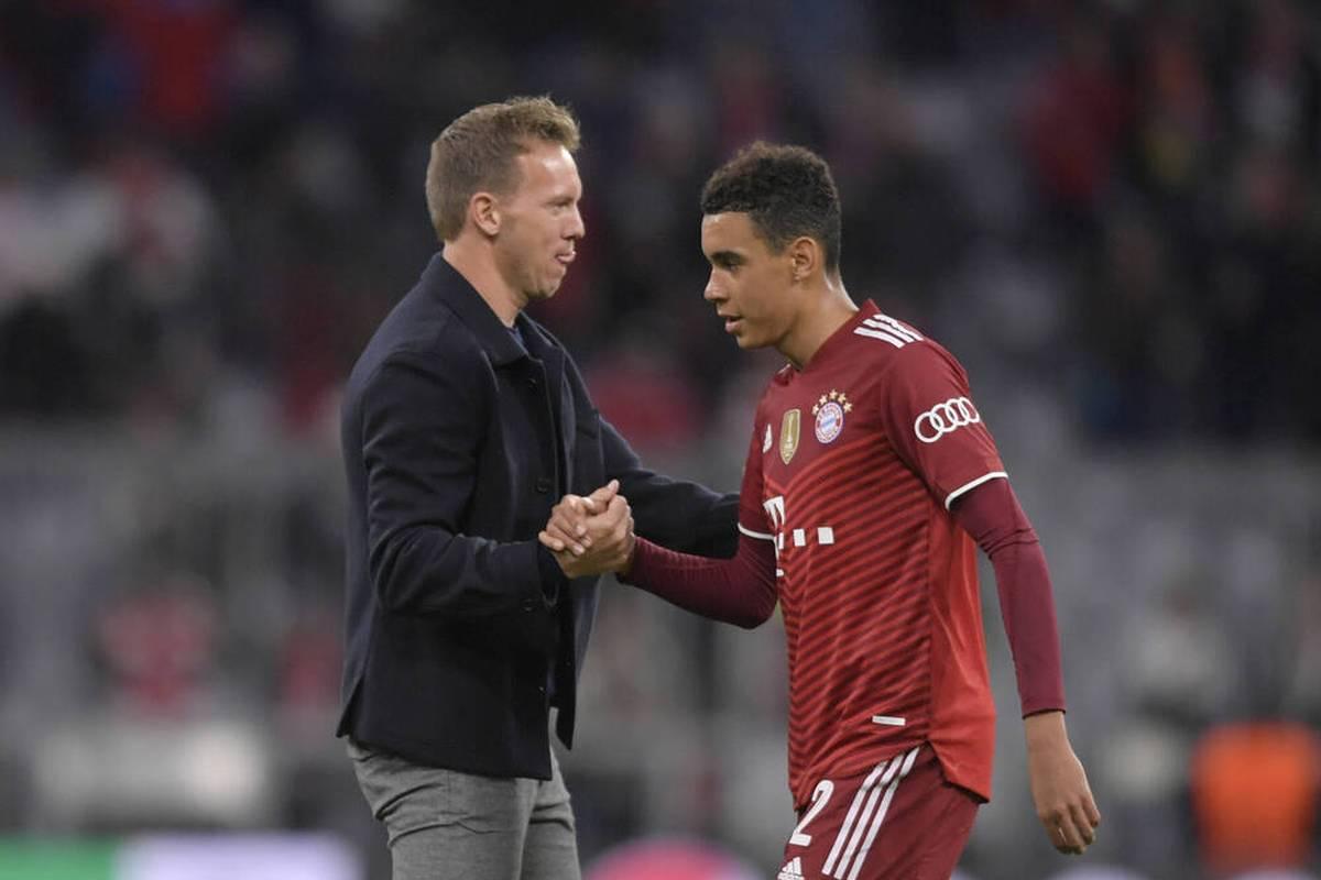 Jamal Musiala ist trotz seiner starken Leistungen nur noch Joker beim FC Bayern und beim DFB. Nun erklärt Bayern-Coach Julian Nagelsmann seinen Plan mit dem Supertalent.
