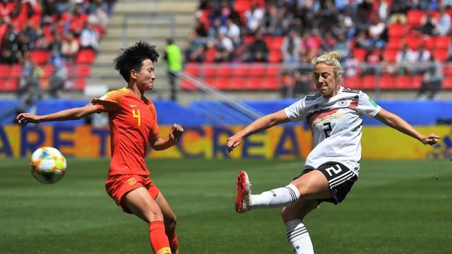 Carolin Simon erwischt einen starken Start in die WM, muss aber verletzt raus