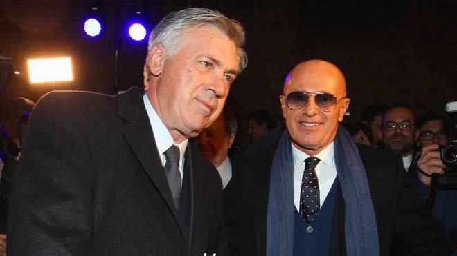 Carlo Ancelotti (l.) mit seinem Lehrmeister Arrigo Sacchi (r.)