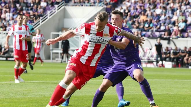 Sebastian Polter (l.) erzielte das zwischenzeitliche 2:0 für Union Berlin bei Erzgebirge Aue