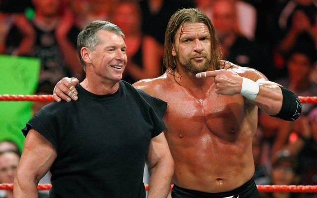 Vince McMahon und Triple H bei einer WWE-Show 2009