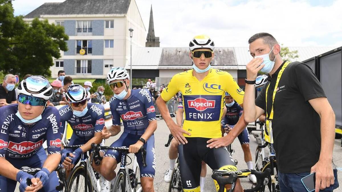 Das Peloton der Tour de France verzögert aus Protest die 4. Etappe