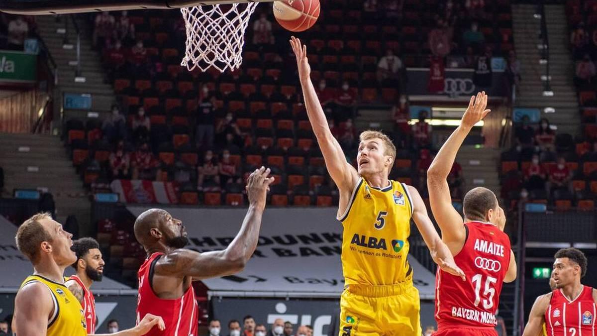 Niels Giffey (5) war eine der Säulen der 2021-Meistermannschaft von ALBA Berlin