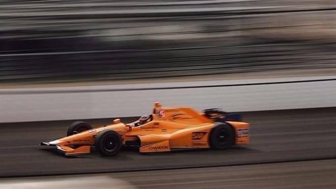 230 mph können Spaß machen: Fernando Alonso spürte aber keinen Unterschied