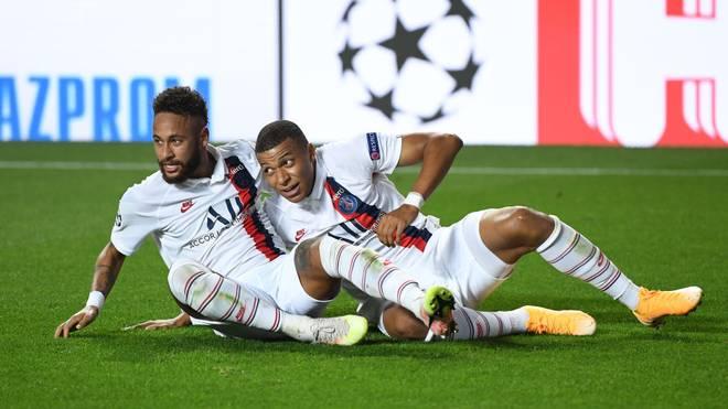 Kylian Mbappé (re.) bereitete den Siegtreffer von PSG vor