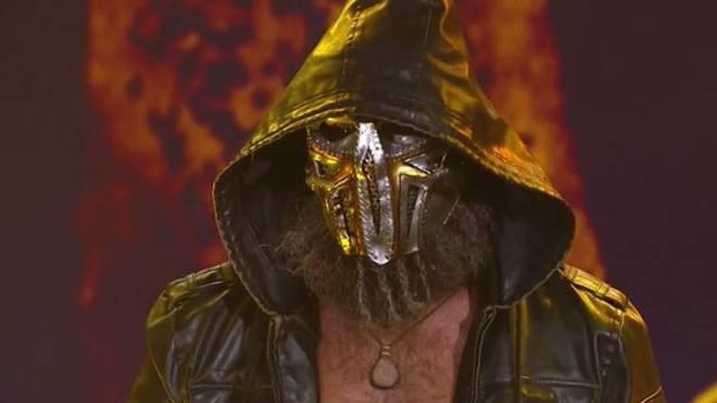 Tommaso Ciampa tritt bei WWE NXT nun mit Maske auf