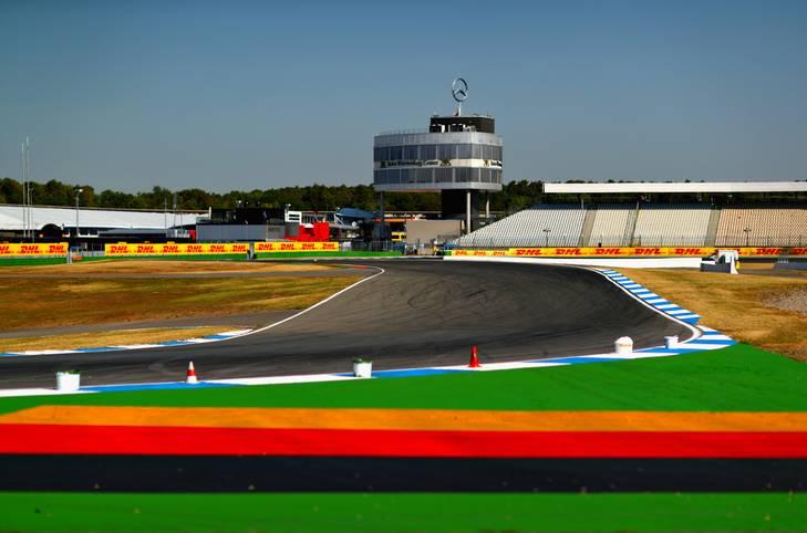 Hockenheim - der Große Preis von Deutschland. Vielleicht zum letzten Mal für längere Zeit. Für WM-Leader Sebastian Vettel ist es von der Pole startend die Chance, endlich auch einmal bei seinem Heimrennen zu gewinnen. SPORT1 zeigt die Bilder des Rennens