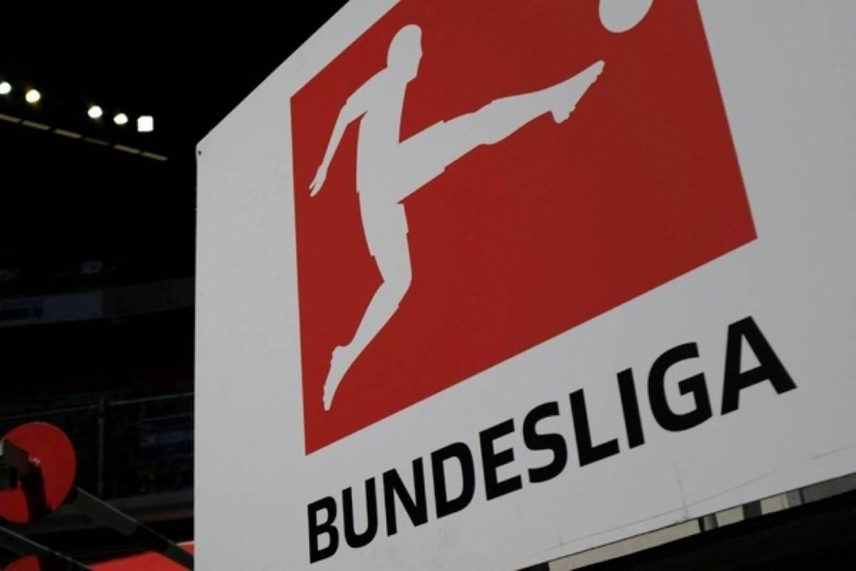 Die Bundesliga hat in der Fünfjahreswertung der Europäischen Fußball-Union (UEFA) am dritten Europapokal-Spieltag an Boden verloren.