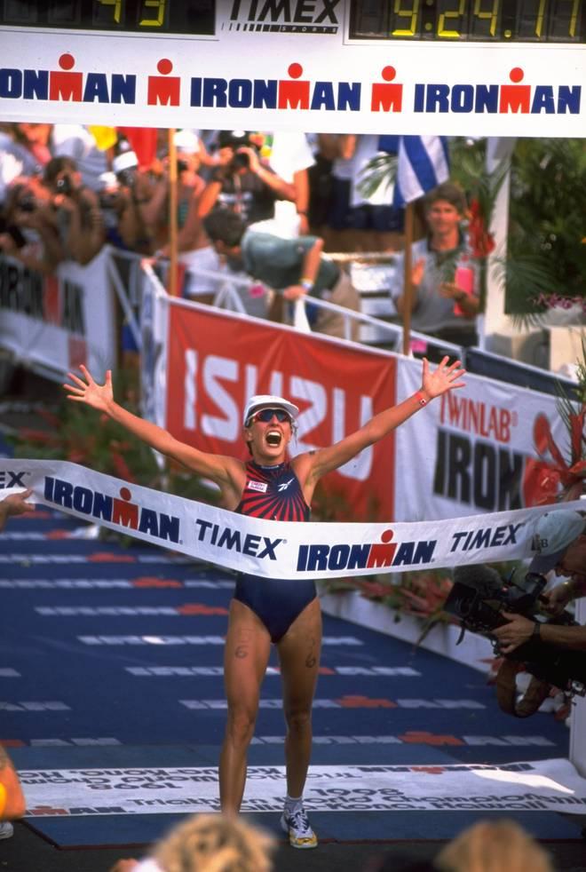 Natascha Badmann gewinnt 1998 ihren ersten von sechs Ironman
