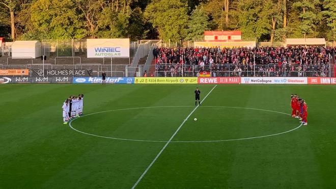 FC Köln mit Schweigeminute im Freundschaftsspiel gegen Viktoria Köln