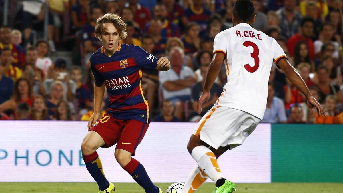 Alen Halilovic vom FC Barcelona im Zweikampf mit Ashley Cole