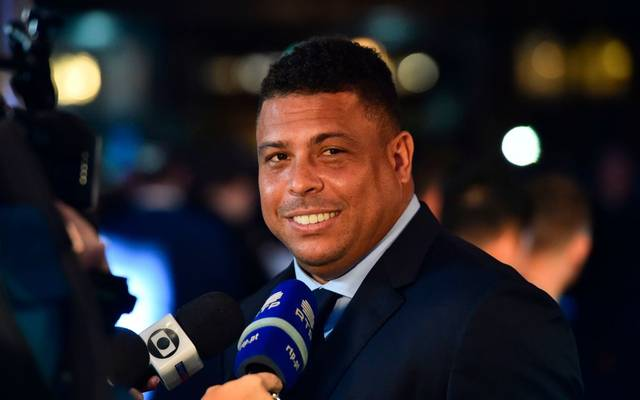 Brazil's former player Ronaldo Luis Nazario de Lima gives an interview as he arrives for The Best FIFA Football Awards ceremony, on October 23, 2017 in London. / AFP PHOTO / Glyn KIRK        (Photo credit should read GLYN KIRK/AFP via Getty Images)