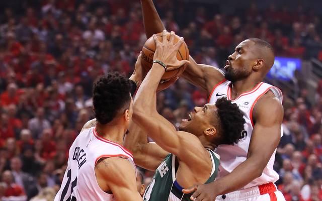 NBA, Playoffs: Toronto Raptors schlagen Milwaukee Bucks in Spiel vier